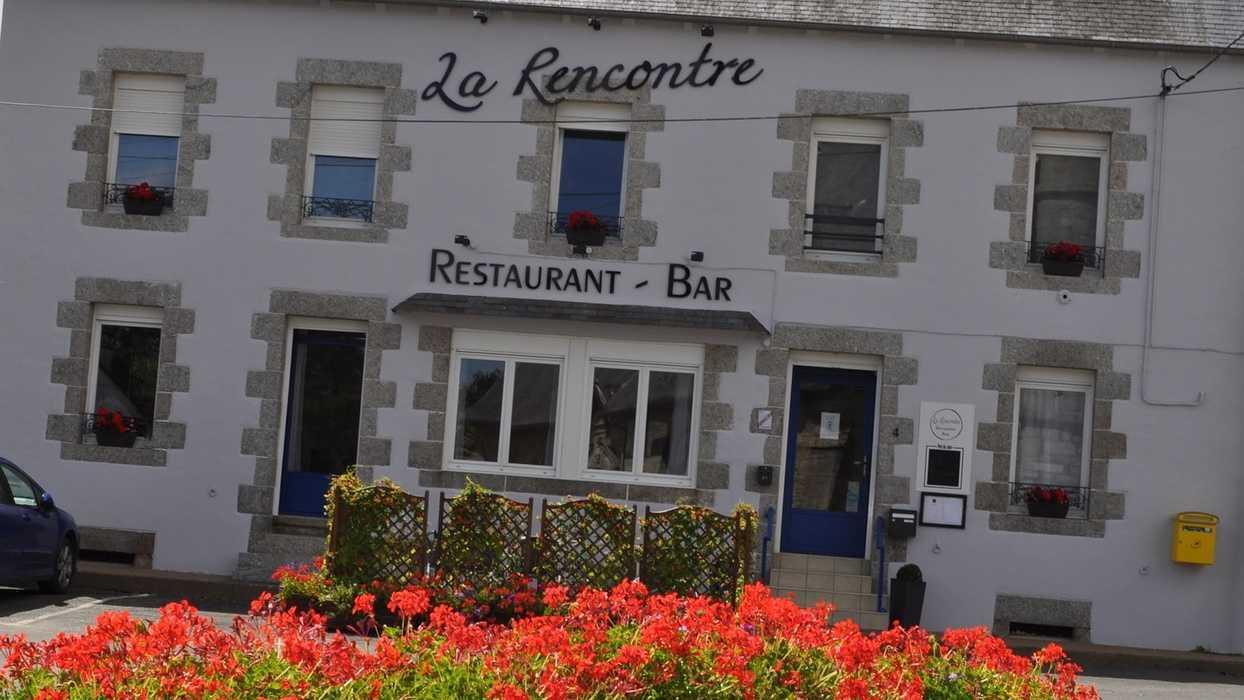 Restaurant «La Rencontre» - Saint-Martin-des-Prés 0